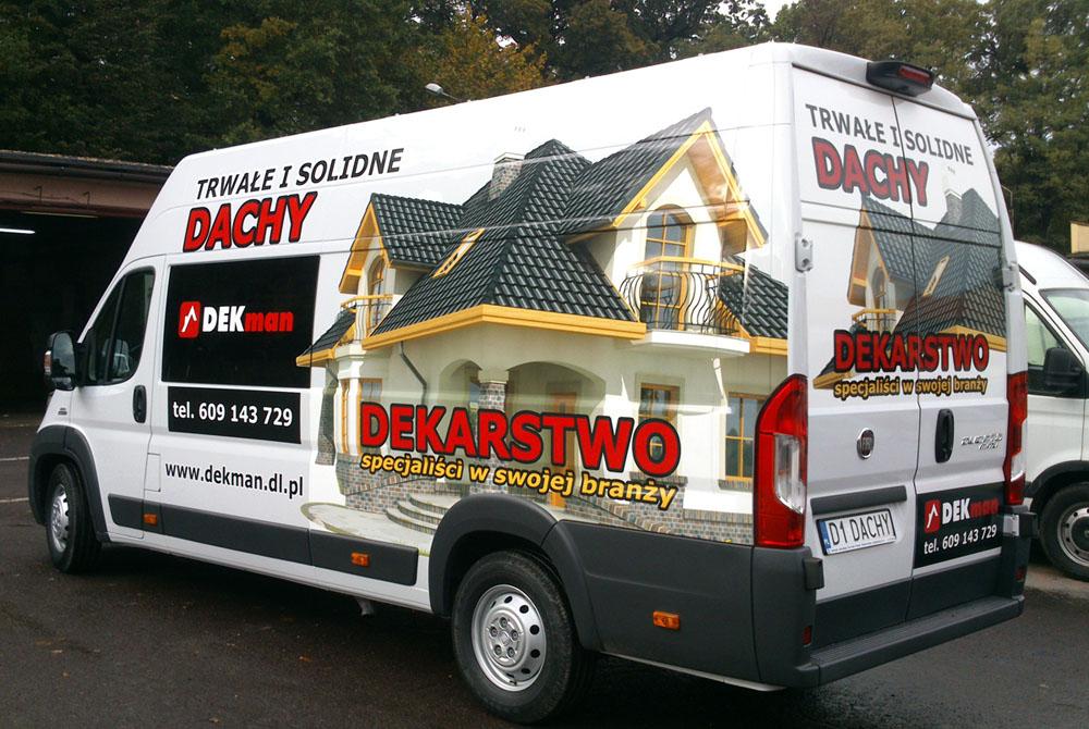 REDRUK – Oklejenie Auta foliami wylewanymi dla Firmy Dekarskiej DEKMAN. 2 lata gwarancji na reklamę.